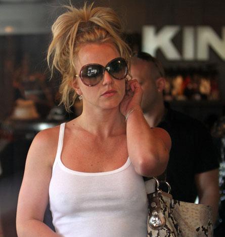 Britneys bh verordnung gerechtfertigt oder völlig übertrieben